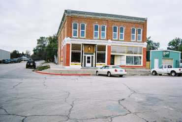 Grand_old_building_in_chadron_10240622